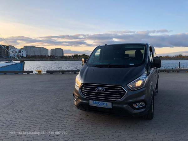 2019-11/mobilina-anpassaning-ab-ford-custom-automat-independence-4
