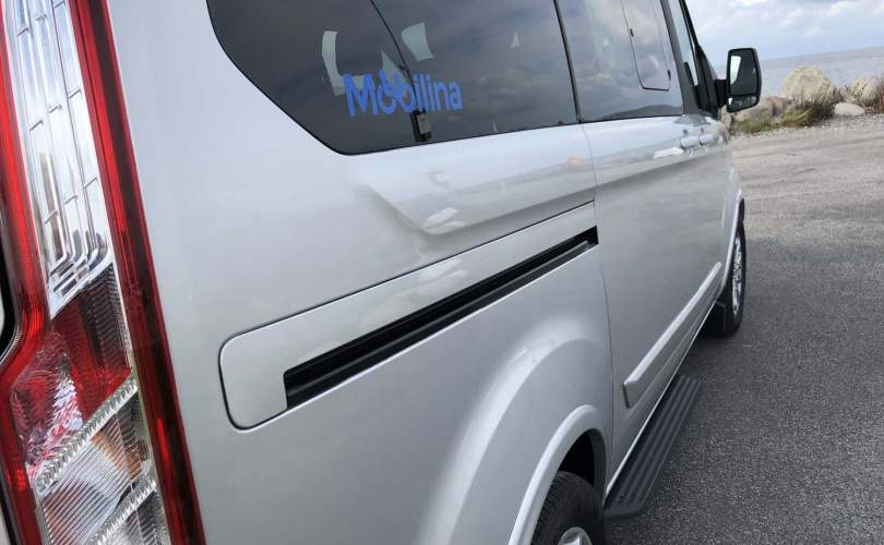 2019-10/custom-tourneo-l1-independence-2019-mobilina-anpassning-ab-8
