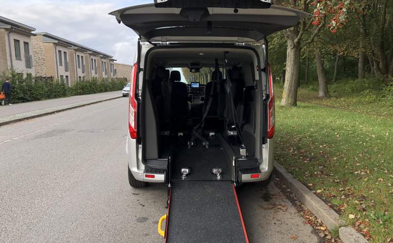 2019-10/custom-tourneo-l2-man-independence-2019-mobilina-anpassning-ab-11