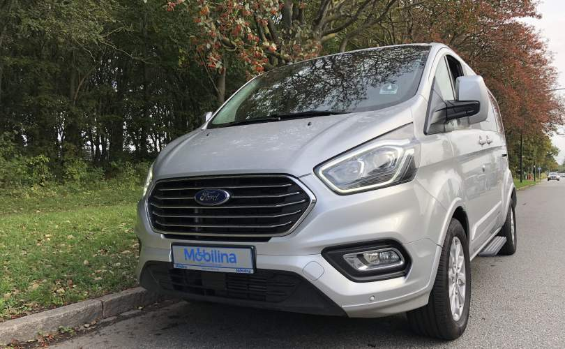 2019-10/custom-tourneo-l2-man-independence-2019-mobilina-anpassning-ab-3